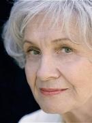 Alice Munro: Sáng tác chưa ngừng nghỉ