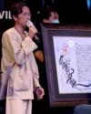 Bài thơ về vùng tâm dịch của Hoài Linh đấu giá được 700 triệu