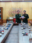 Thủ trưởng Tổng cục Chính trị đến thăm và chúc tết Tạp chí Văn nghệ Quân đội
