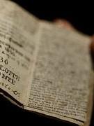 Cuốn sách nhỏ bằng bao diêm có giá trị lên tới 20 tỉ đồng