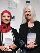 Nhà văn người Oman đầu tiên giành giải Man Booker quốc tế 2019