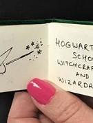 Cuốn sách viết tay của JK Rowling được bán với giá 4,5 tỉ đồng