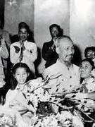 Nguyễn Ái Quốc – Hồ Chí Minh giới thiệu, quảng bá văn hóa Việt