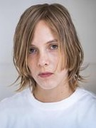 Nhà văn trẻ nhất giành giải thưởng Man Booker quốc tế