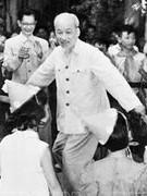 """Nghệ sĩ vĩ đại Hồ Chí Minh và cách sử dụng một chữ """"Nhà""""!"""