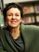 Sách của nhà văn đoạt giải Nobel 7 năm mới dịch xong bản tiếng Anh
