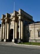 Đại học Oxford đóng cửa nhà in hơn bốn trăm năm