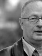 """Truyện ngắn """"Cành củi khô"""" của nhà văn Spiró György, Hungary"""