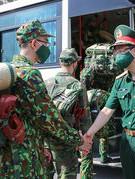 Chiến sĩ quân y tiếp sức TP. Hồ Chí Minh chống dịch