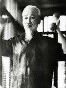 Hồ Chí Minh  và một hình thức tập cổ liên văn hóa vui vẻ, dí dỏm