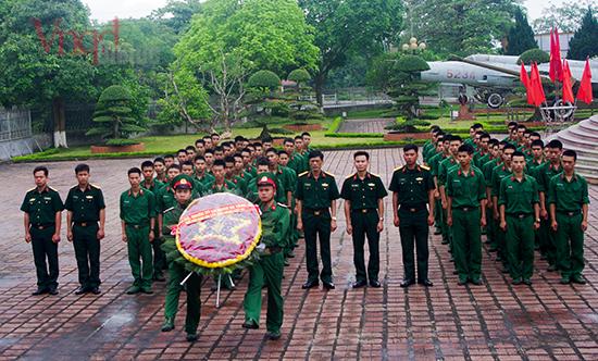 Chiến sĩ mới thăm bảo tàng Quân đoàn